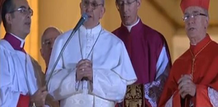 """Pierwsze słowa Papieża Franciszka I do wiernych: """"módlcie się za siebie nawzajem"""" - zdjęcie"""