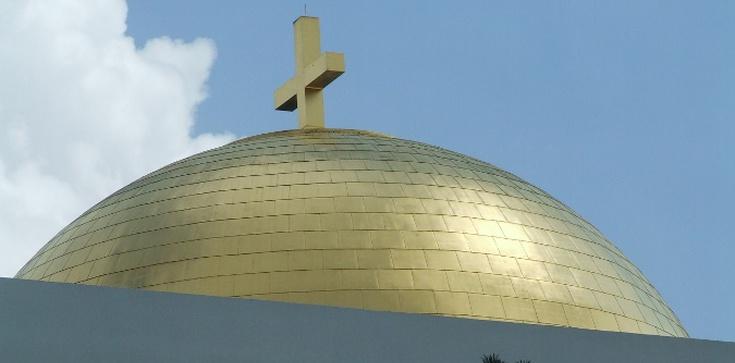 Sprofanowano krzyż na terenie warszawskiej parafii - zdjęcie