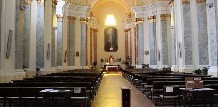 Ponad 100 chętnych do apostazji walczy z Kościołem - zdjęcie