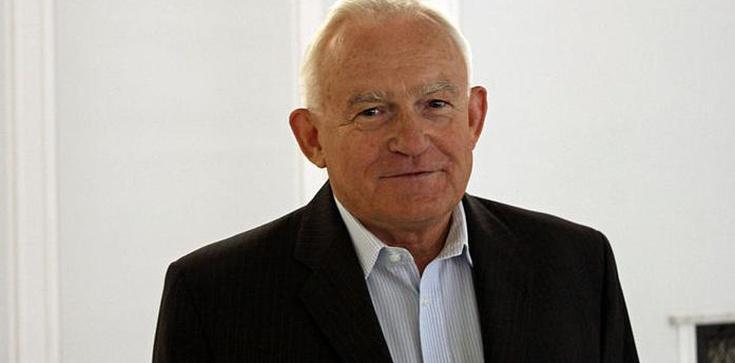 Miller: Referendum to ostatnia klęska Komorowskiego - zdjęcie