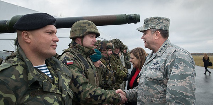 NATO ostrzega: militaryzacja Krymu może być tylko początkiem - zdjęcie