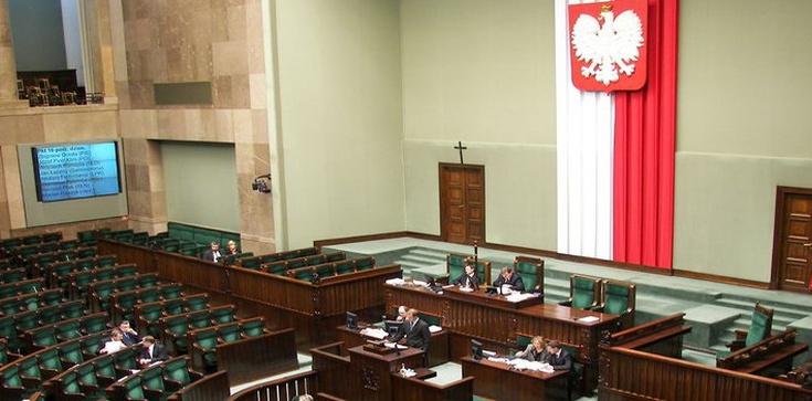 Sejm i PBK dadzą młodym 100 tys. miejsc pracy? - zdjęcie