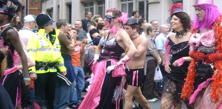 Protestanci ostrzegają kobiety przed transseksualistami - zdjęcie