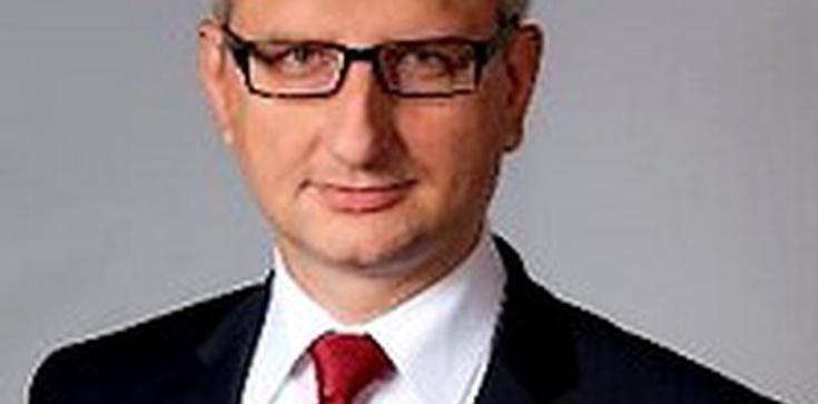 Polityk PiS: Donald Tusk i Radosław Sikorski zdradzili Polskę - zdjęcie
