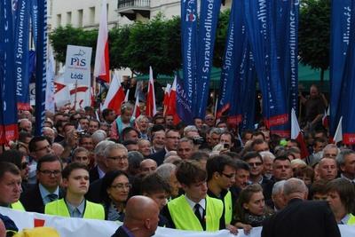 Zbigniew Girzyński dla Fronda.pl: Demonstracje Polaków nie wzruszą rządu!