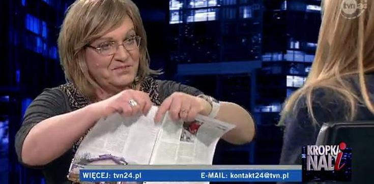 """Anna Grodzka podarła u Moniki Olejnik tygodnik """"W sieci"""" - zdjęcie"""