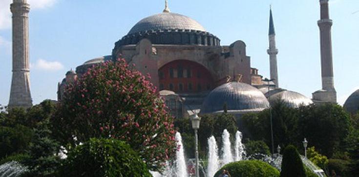 """Czy najwspanialszy kościół bizantyński """"Hagia Sophia"""" zostanie meczetem? - zdjęcie"""
