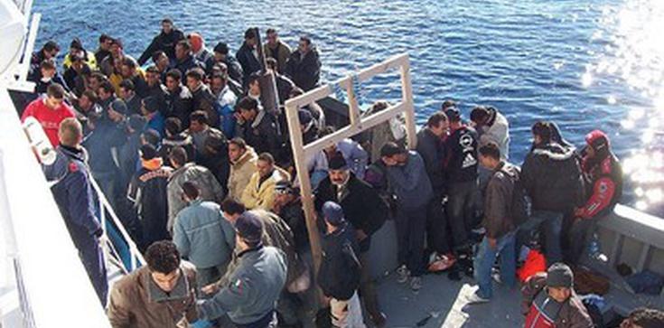 """Orędzie Franciszka na Dzień Migranta: """"Migranci i uchodźcy ku lepszemu światu"""" - zdjęcie"""