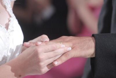 Polacy coraz częściej decydują się na ślub