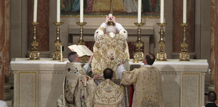 Rowiński: Jaki jest sens formy liturgicznej? - zdjęcie