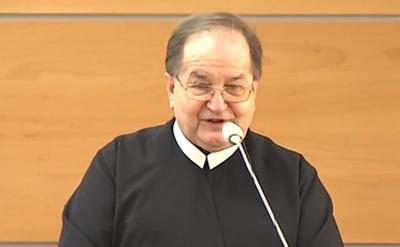 Ojciec Tadeusz Rydzyk Ojciec Tadeusz Rydzyk Powinien