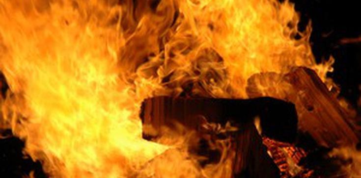 Dramat! Oblał rodzinę benzyną i podpalił! - zdjęcie