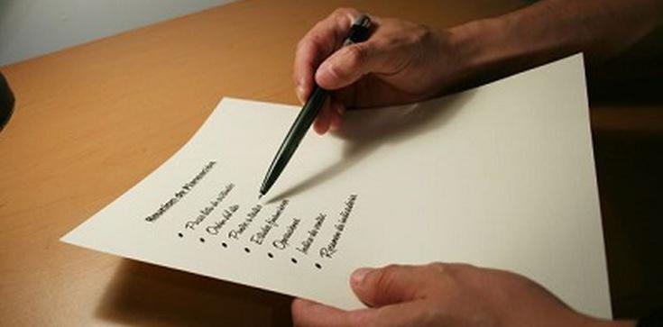 Kanonista dla Fronda.pl: Decyzja NSA, który nakazuje proboszczom odnotowywanie apostazji w księgach chrztu jest wielkim nadużyciem - zdjęcie