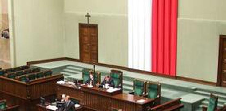 Partia konserwatystów z PO nie mogłaby liczyć na wejście do Sejmu. Na razie - zdjęcie