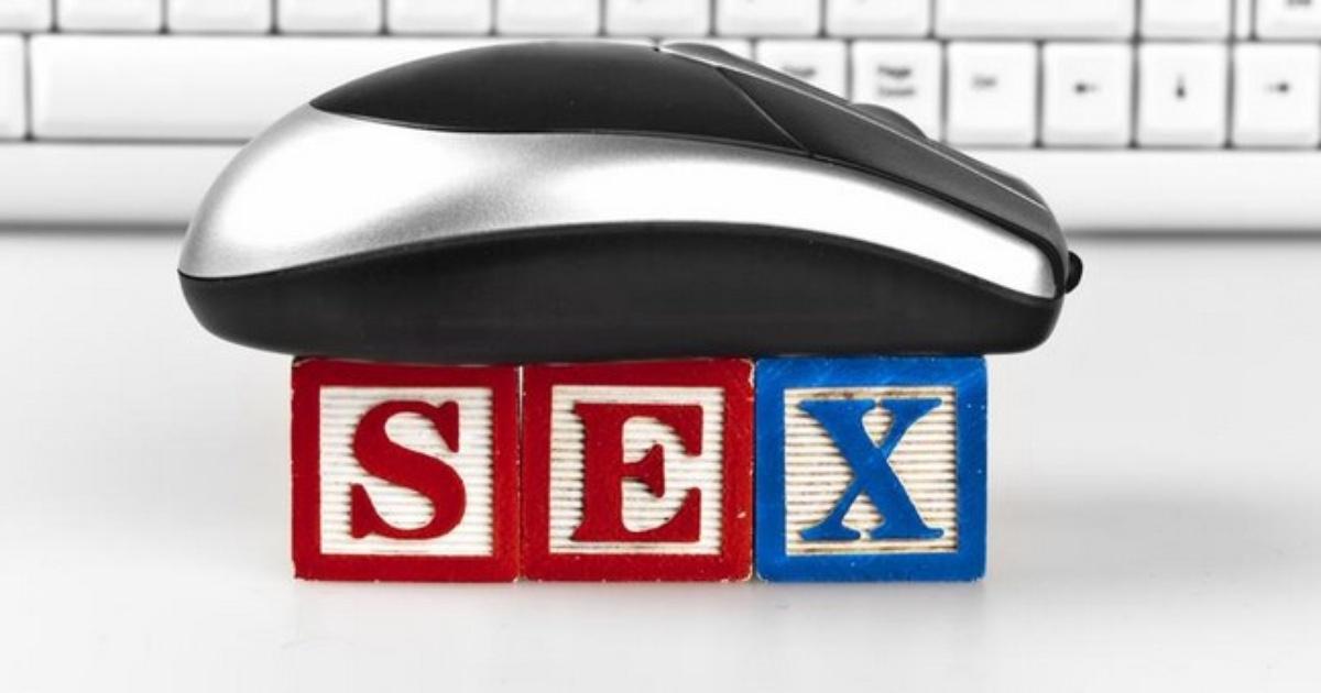 seks nastolatków w namiocie