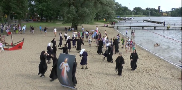 No i kolejny HIT z zakonnicami w roli głównej! - zdjęcie