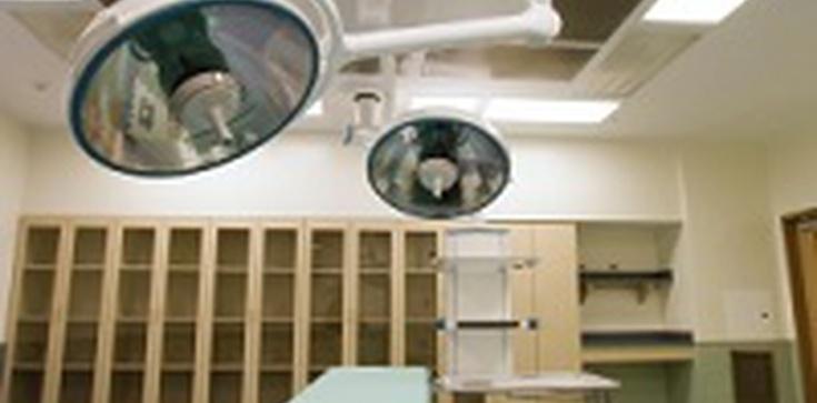 Lekarz z Kaliforni broni nielegalnej sterylizacji więźniarek - zdjęcie