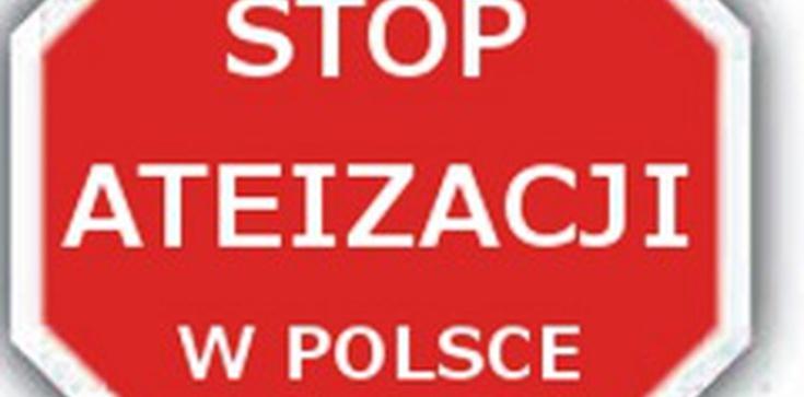 Papież na plakacie z konkubiną? Poseł Jaworski dla Fronda.pl:  Obywatele mają prawo do nieposłuszeństwa!  - zdjęcie