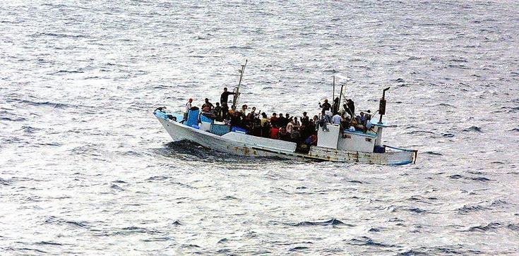 Kolejni ludzie cudem ocaleni na morzu Śródziemnym - zdjęcie