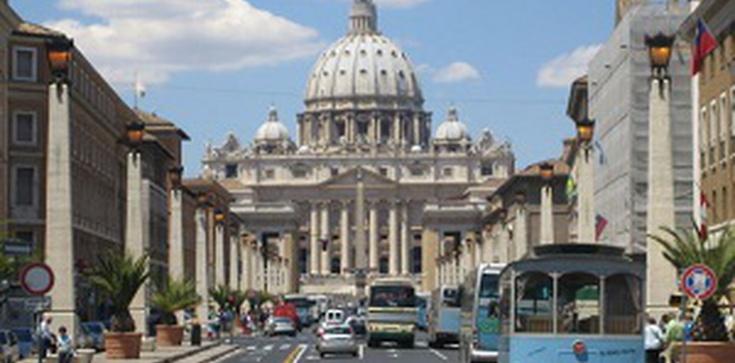Abp Marchetto: Błędem jest dzielenie Kościoła na przed- i po- soborowy - zdjęcie