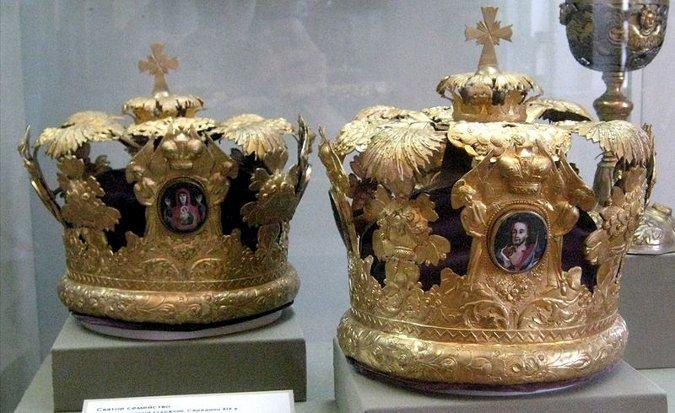 Fot. Wikipedia, korony konieczne podczas prawosławnego ślubu