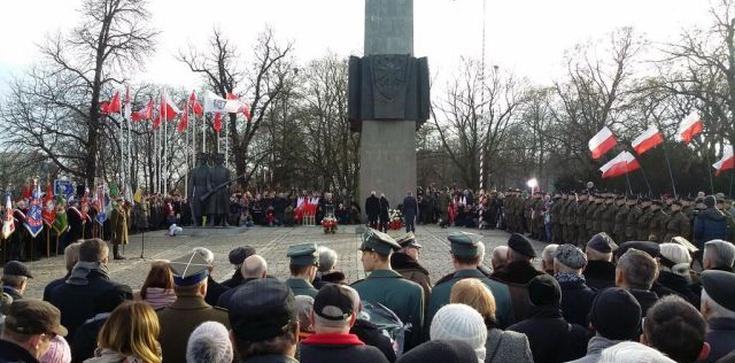 Wojewoda wielkopolski: Sprofanowano obchody Poznańskiego Czerwca'56 - zdjęcie