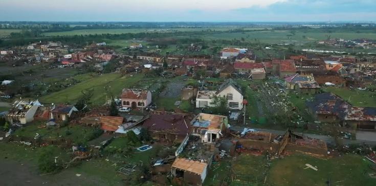 [Wideo] Czechy spustoszyło ogromne tornado. Polska pomoże w usuwaniu jego skutków - zdjęcie