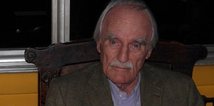 Autor ,,Obozu świętych'' Jean Raspail nie żyje. Przewidział zalew Europy przez imigrantów - zdjęcie