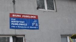 Atak na biuro poselskie prof. Pawłowicz. 'Totalni nie wykazali się celnością!' - miniaturka