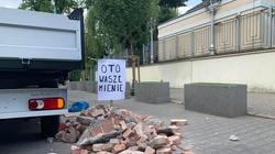 Gruz przed ambasadą Izraela. Reaguje Gmina Żydowska - miniaturka