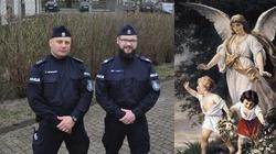Policjanci uratowali życie 1,5-rocznego Olka - miniaturka
