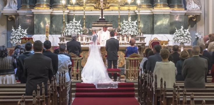 Koniec ,,Hallelujah'' na ślubie kościelnym - zdjęcie