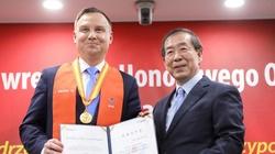 Prezydent Duda Honorowym Obywatelem Seulu: ''Jeszcze się igrzyska nie zaczęły, a Polak już dostał medal'' - miniaturka