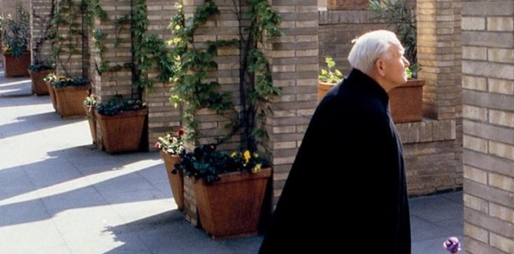 Św. Jan Paweł II: Krzyż - miłość nieskończona - zdjęcie