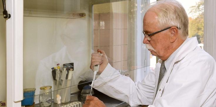 Czym tak naprawdę jest koronawirus? Odpowiada immunolog prof. Janusz Marcinkiewicz - zdjęcie