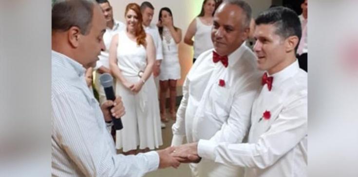 Skandal! Ksiądz pobłogosławił parę homoseksualistów - zdjęcie