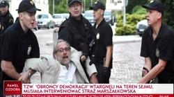 Obywatele RP szukają męczeństwa... pod Sejmem - miniaturka