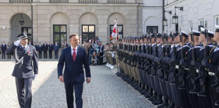 Prezydent: Polscy żołnierze obronili Europę przed 'czerwoną zarazą' - zdjęcie