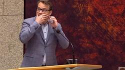 PRÓBA SAMOBÓJCZA w parlamencie Holandii! (WIDEO) - miniaturka