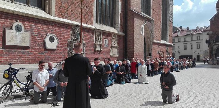 W Krakowie mężczyźni ruszyli do walki duchowej - zdjęcie
