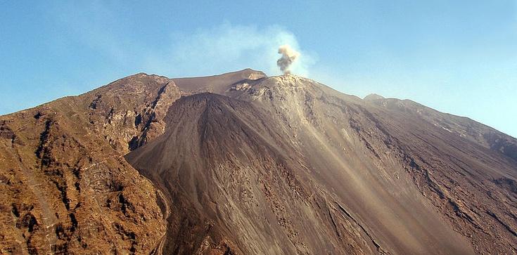 Włochy: Potężny wybuch wulkanu! Są ofiary śmiertelne - zdjęcie