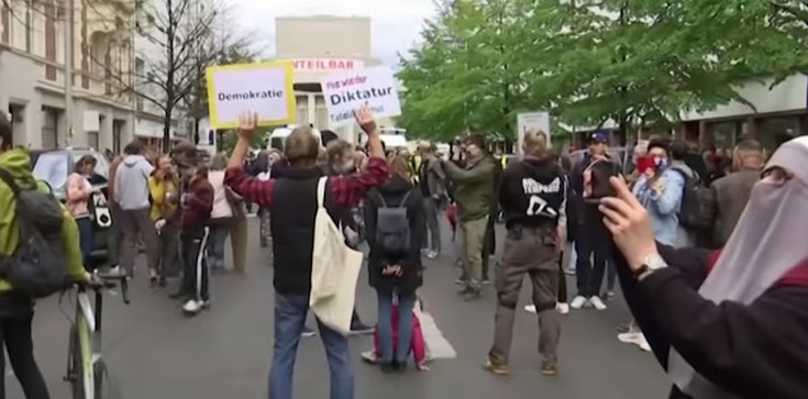 Protesty w Niemczech. Mieszkańcy mają dość kwarantanny - zdjęcie