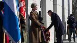 Mateusz Morawiecki: Z mozołem musimy walczyć o prawdę - miniaturka