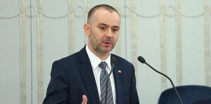 Paweł Mucha w Senacie: Czas oddać głos obywatelom w kwestii najważniejszej - zdjęcie
