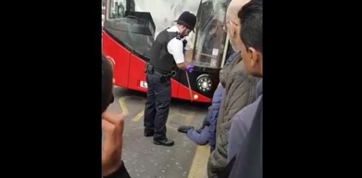 Z maczetą po mieście WIDEO z Londynu - zdjęcie