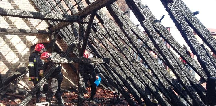 Spłonął dach gdańskiego kościoła śś. Piotra i Pawła - zdjęcie