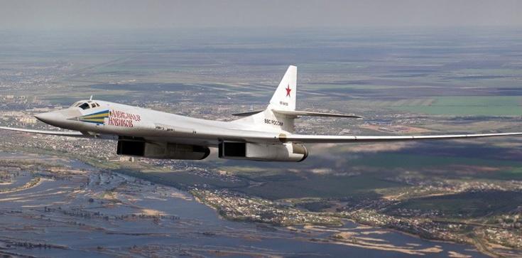 Atomowe bombowce nad Bałtykiem. Rosja prowokuje nie tylko NATO - zdjęcie