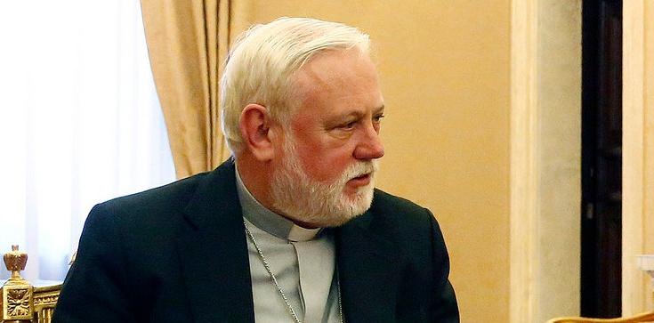 Abp Gallagher, szef papieskiej dyplomacji, broni polskich biskupów - zdjęcie