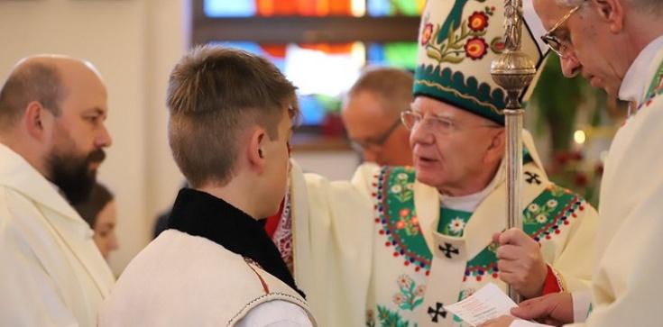 Abp Jędraszewski do młodych: Każdy z nas musi być świadkiem Chrystusa - zdjęcie
