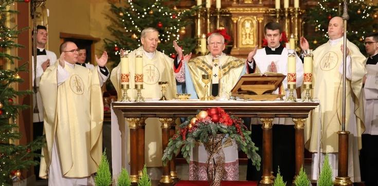 Abp Jędraszewski: Drugim imieniem zbawienia, które wysłużył nam Chrystus, jest wolność - zdjęcie